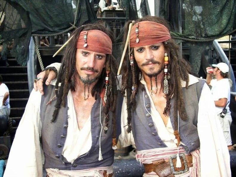 """Жонни Депп болон Тони Анжелотти, """"Карибын тэнгисийн дээрэмчид"""""""