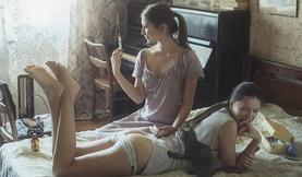 Халуухан Украин бүсгүйчүүд гэрэл зурагчин Давид Дубницкийн дуранд...