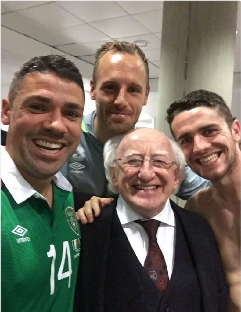 Ерөнхийлөгч Ирландын хөл бөмбөгийн тоглолтыг бараг л алгасдаггүй