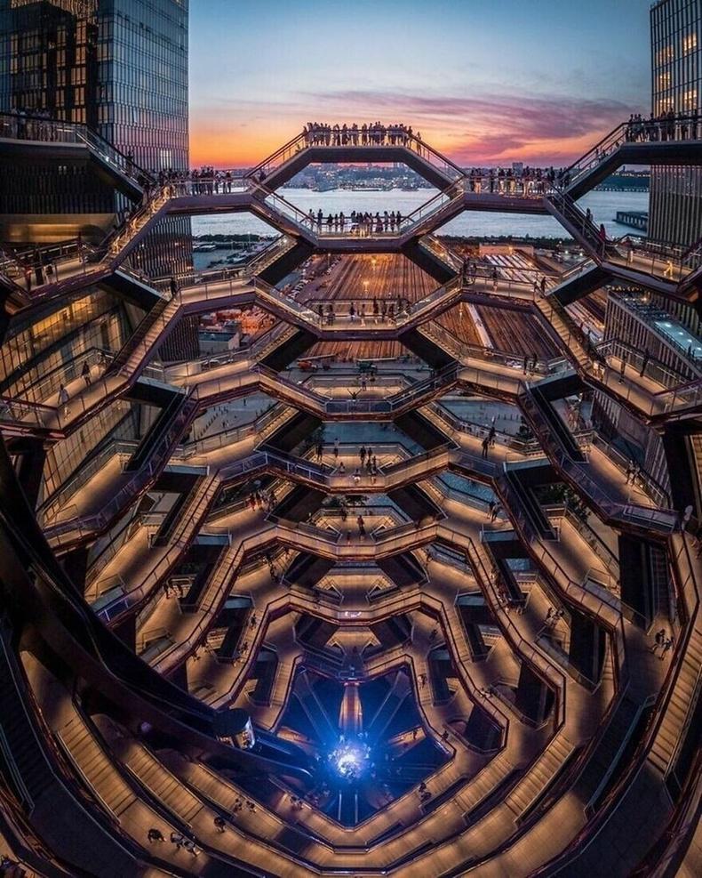 Нью-Йорк, АНУ