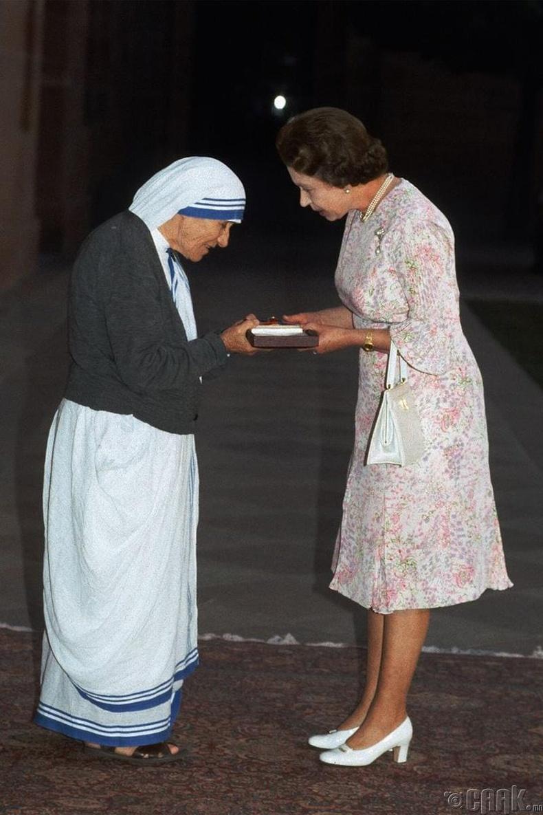 Тереза эхтэй уулзсан нь, 1983 он