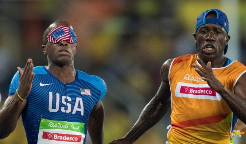 Паралимпын гүйлтийн тэмцээнд хараагүй тамирчид хэрхэн оролцдог вэ?