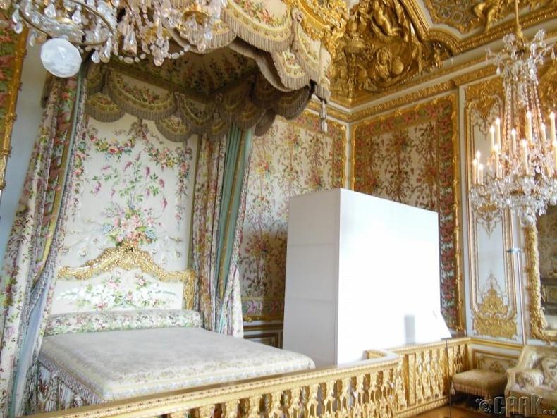 Букингхам ордон дахь хатан хаан II Элезабетийн унтлагын өрөө