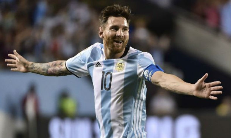 Лионел Месси Аргентины шигшээдээ дахин тоглохоор боллоо