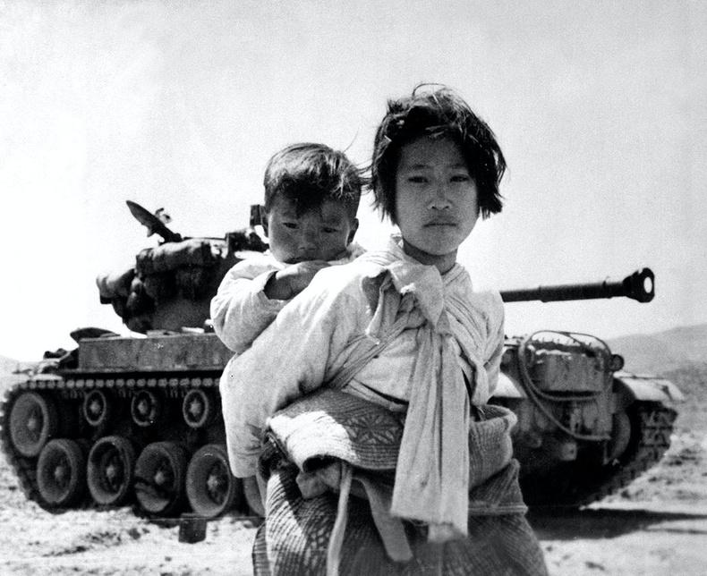 """""""Ахан дүүсийн дайн"""" буюу Солонгосын хойгийн дайны аймшигт дүр зураг (45+ фото)"""