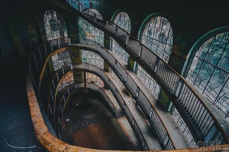 Кабелийн тэрэгний бүхээгт суух буудал - Тбилиси, Гүрж