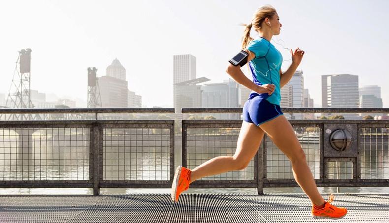 Хоёр долоо хоногийн турш өглөө бүр гүйвэл юу болох вэ?