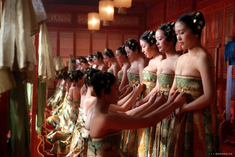 Манж Чин улсын үеийн татвар эмсийн зовлонт амьдрал