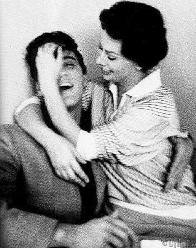Элвис Пресли, жүжигчин Софи Лорений хамт