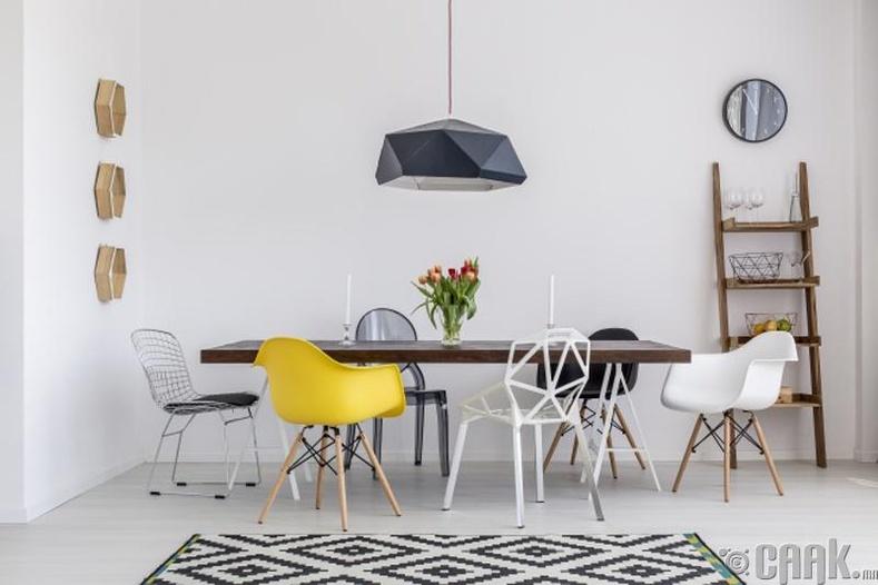 Адилхан ширээ болон сандал