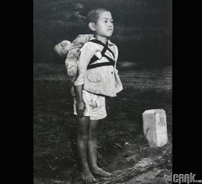 Хирошима, Нагасаки хотуудад унасан цөмийн бөмбөг