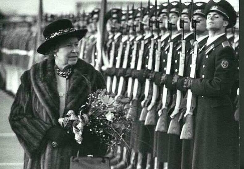 Хатан хаан Элизабет Москвад анхны бөгөөд цорын ганц удаа айлчилсан нь, 1994 он