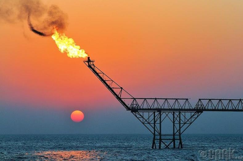 Пэйпэр Альфа газрын тосны үйлдвэрийн дэлбэрэлт