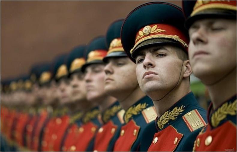 Наполеон Оросуудыг хүчирхэг, догшин болгоогүй харин ч үхтэл нь айлгасан