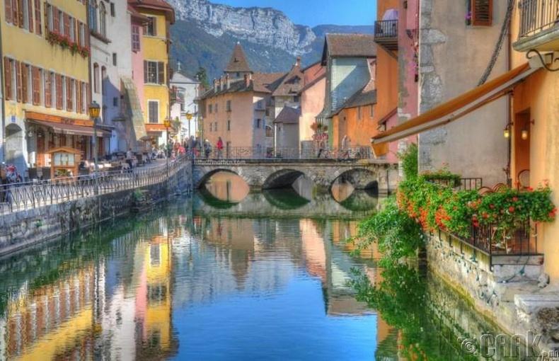 Анси (Annecy,), Франц