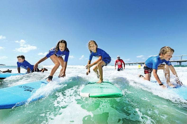 Австрали: Серфингийн хичээл