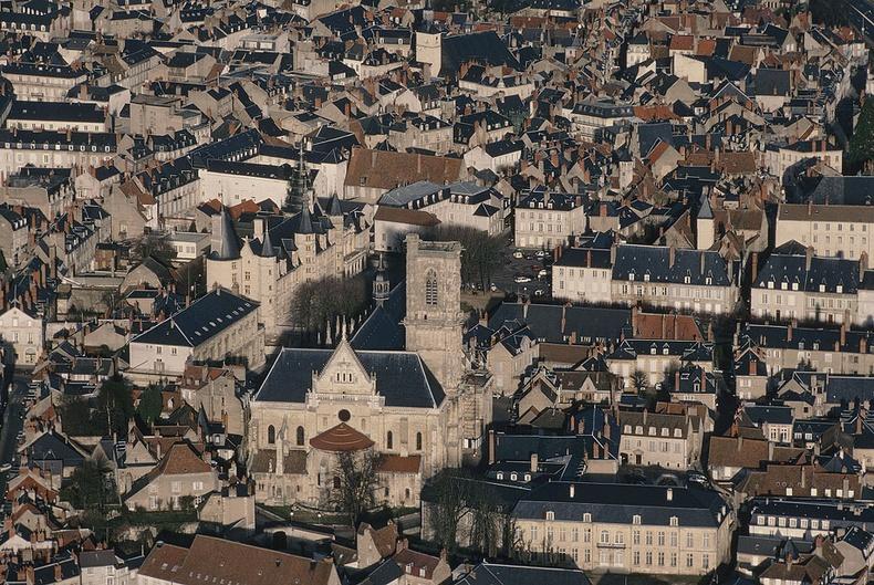 Неверс хотын төв - Франц