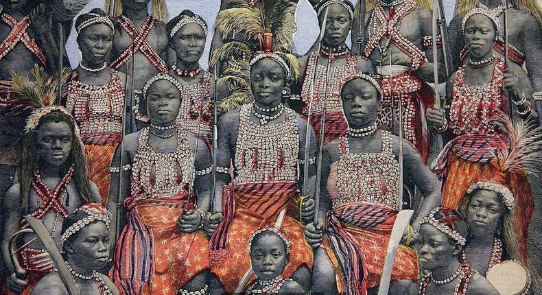 """Бодит амьдрал дээрх """"амазон"""" бүсгүйчүүдийн түүх"""