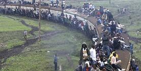 """Дэлхийн хамгийн """"галзуу"""" тээвэр - Угандагийн төмөр зам"""