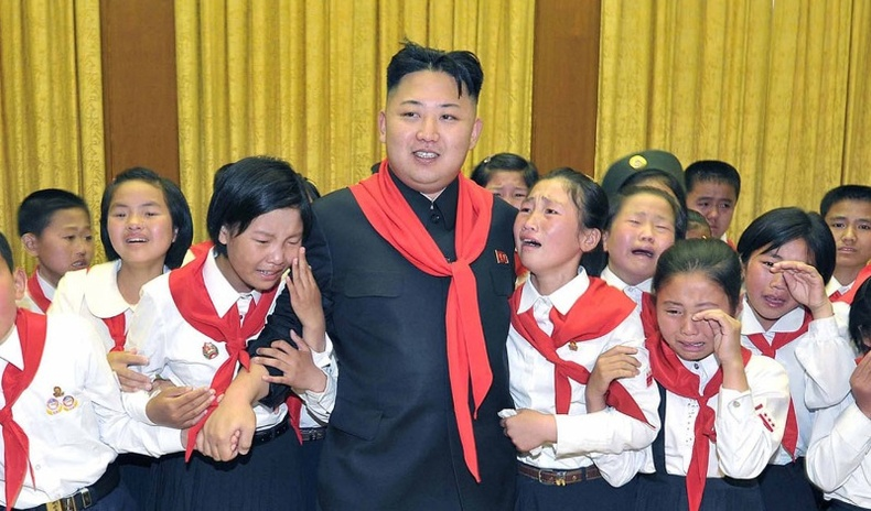 """""""Ким Жон Ун мэргэжлээ сольсон нь"""" - Хойд Солонгосын удирдагчийн ховор зургууд (40 фото)"""
