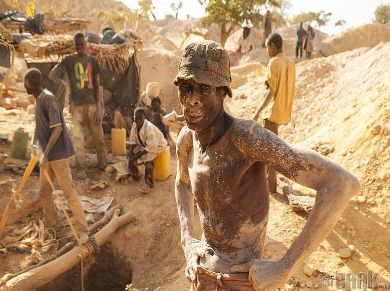 БуркинаФасогийн уурхайчид