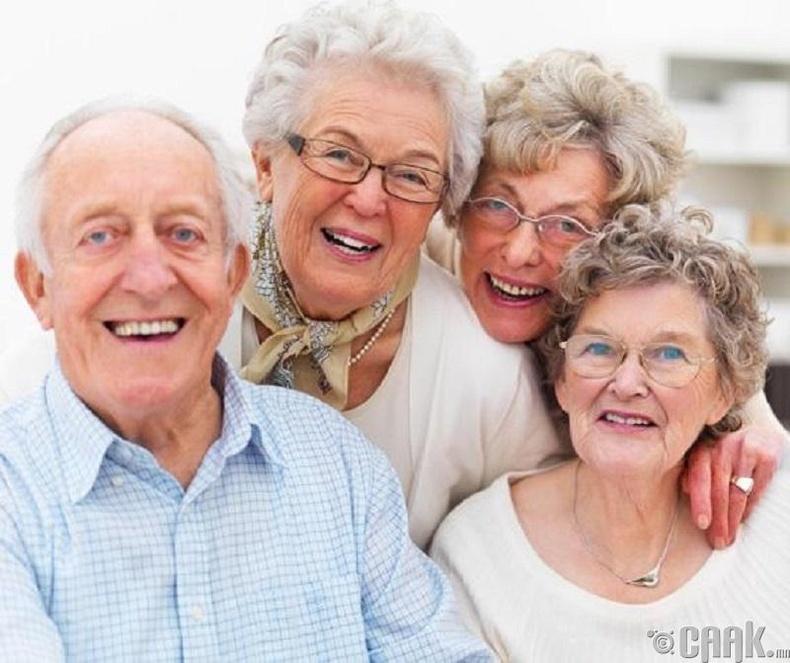 Настай хүмүүсээс таатай үнэр гардаг уу?