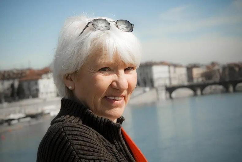 Герман улсаас ирсэн эмэгтэй 16 жил мөнгөгүй амьдарч байна