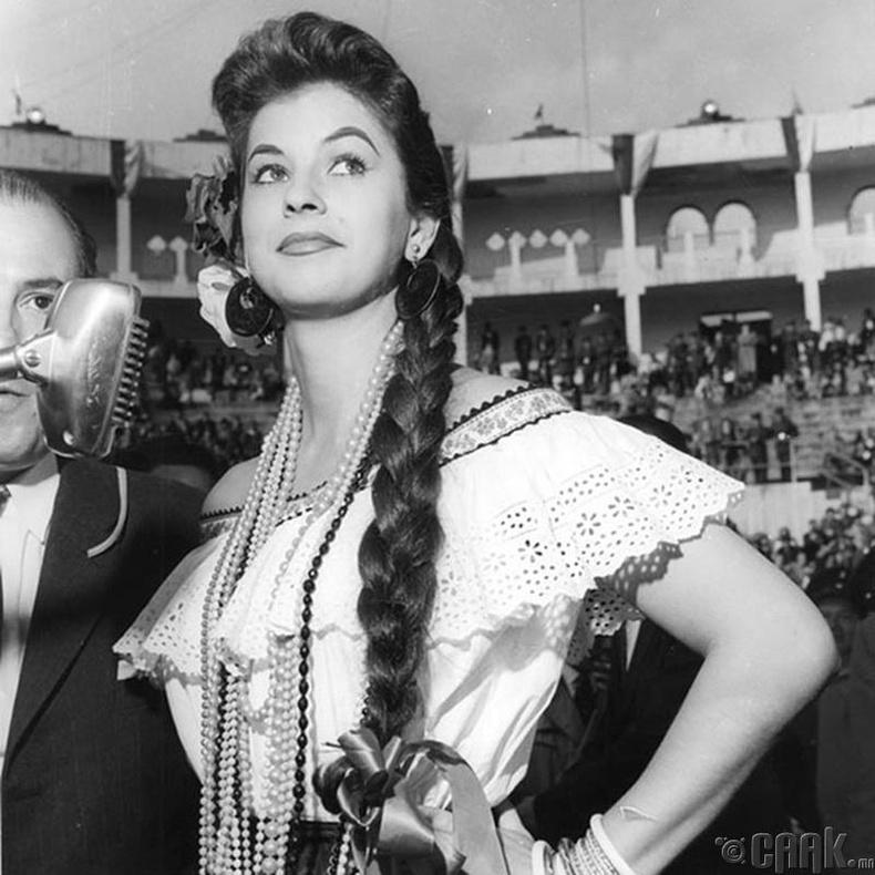 """Miss Universe-1958""-ын ялагч: Колумбын гоо бүсгүй Луз Марина Сулуага, 20 настай, 161 см өндөр."