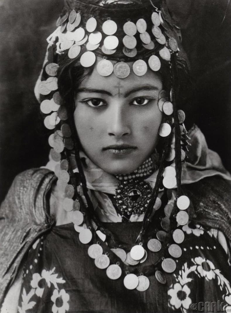 Алжир эхнэр - 1905 он