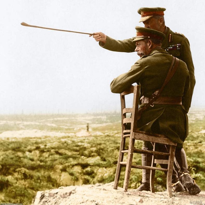 Тавдугаар Жорж Хаан армийн генералын хамт Францын Тиепвалын тулалдааны дараа - 1916 он
