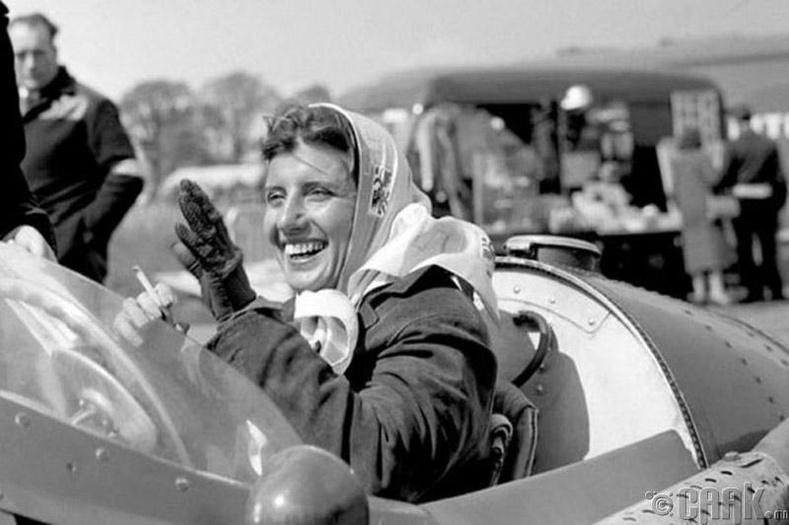 """Формула 1"" уралдааны анхны эмэгтэй нисгэгч Мариа Тереса Де Филипс (Maria Theresa De Filippis)"