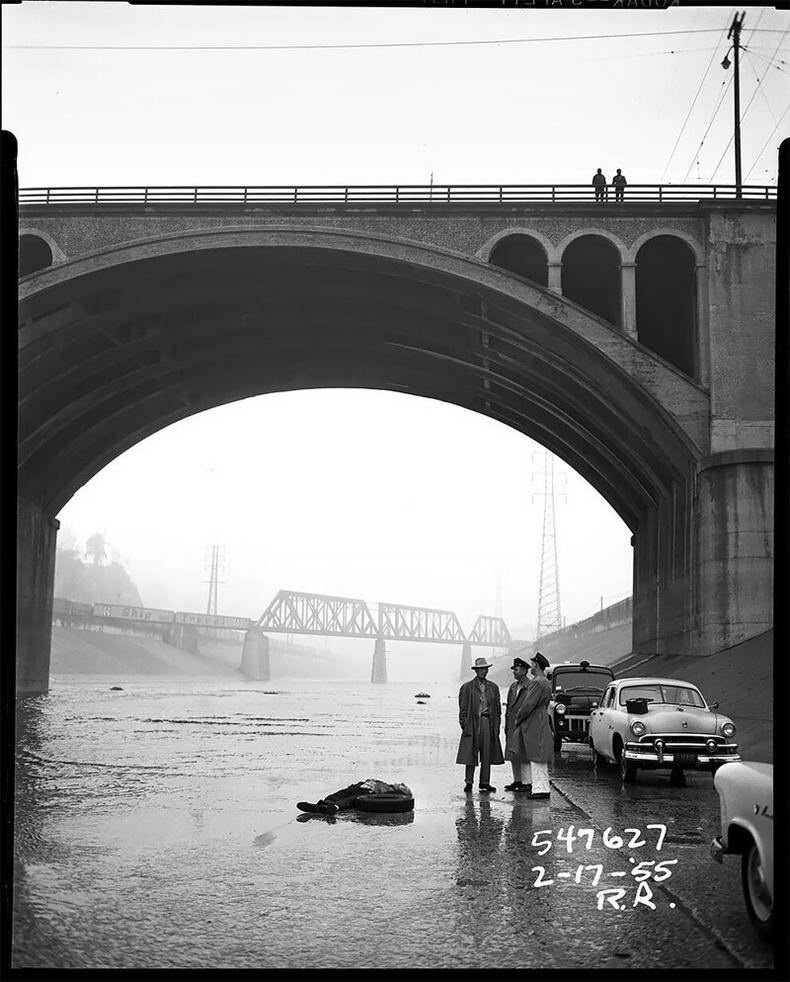 Гүүрэн доорх цогцос, 1955 оны 2р сарын 17
