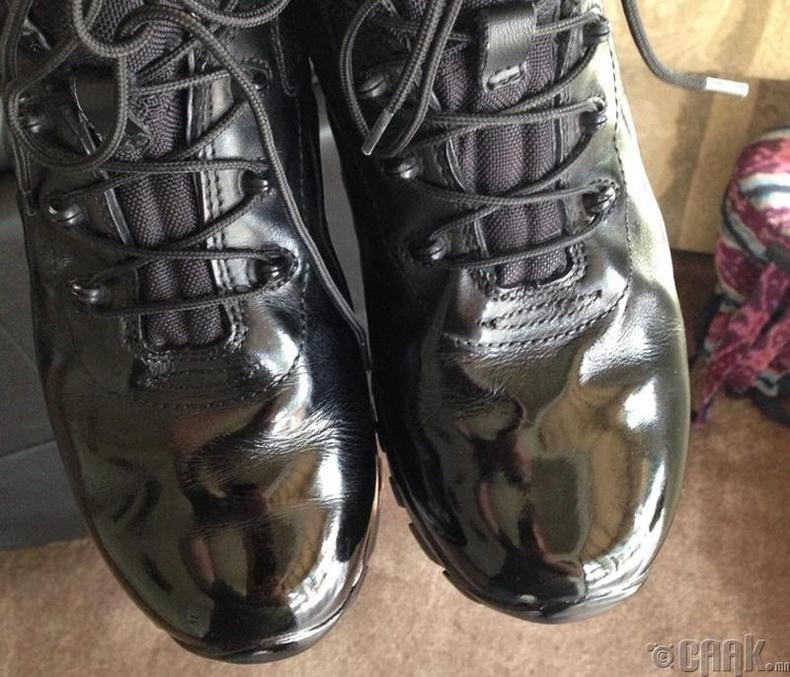 Гутал өнгөлөх