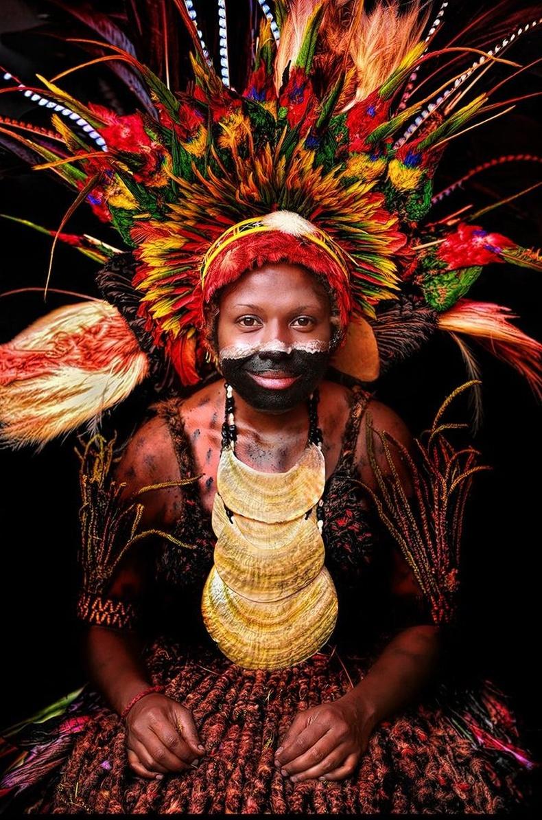 Шимбү омгийн үзэсгэлэнт бүсгүй, Папуа Шинэ Гвиней.