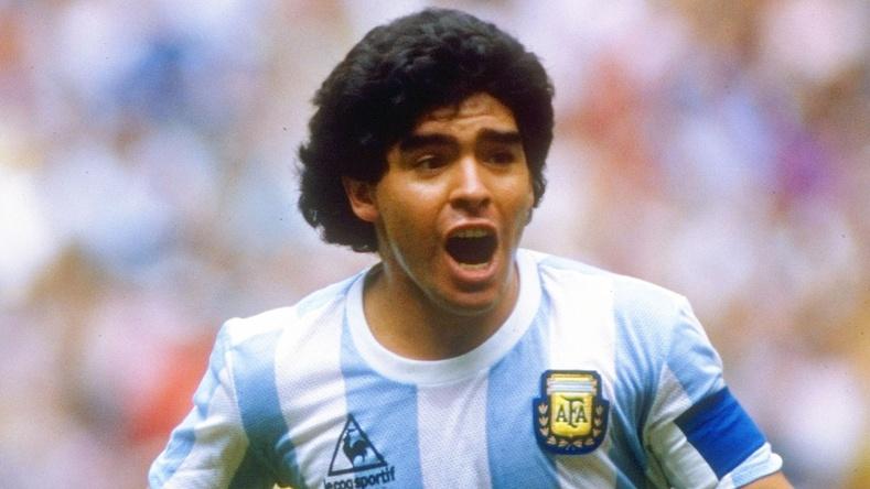 Хөлбөмбөгийн домог Диего Марадона таалал төгслөө (Түүний амьдрал гэрэл зурагт...)