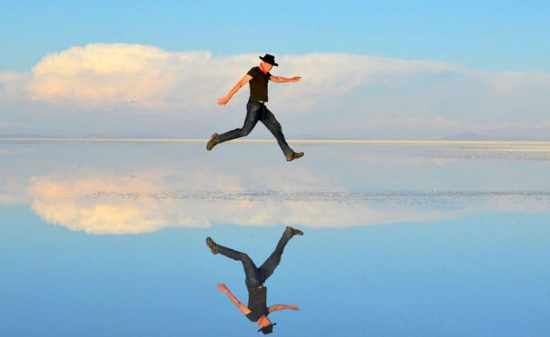 """""""Тэнгэрийн тусгалт тал"""" - Итгэмээргүй үзэсгэлэнт Салар де Уюни"""