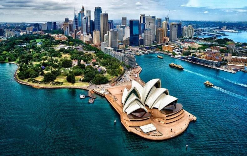 Австралид муж бүр итгэл үнэмшлийг зохицуулах тусдаа хуультай