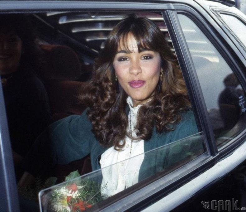 Мариасела Альварес (Mariasela Alvarez), Доминикан - 1982