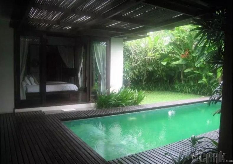 Бали, Индонез - 1,041 доллар