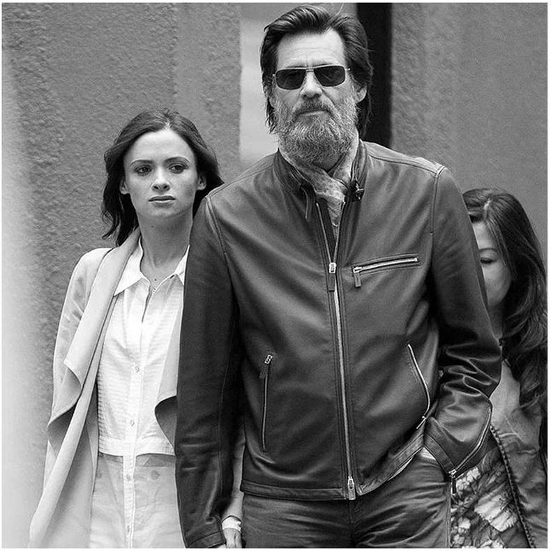 Жим Керри болон Катриона Уайт (Jim Carrey, Cathriona White)