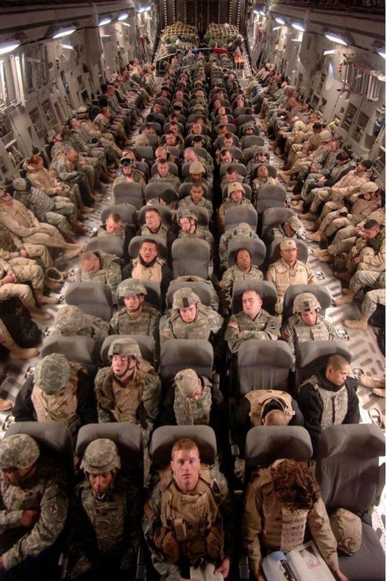 Гэртээ харьж буй Америк цэргүүд