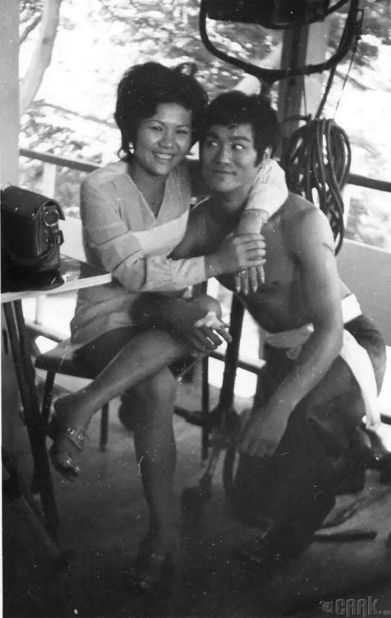 Брюс Ли Тайландад, 1971 он