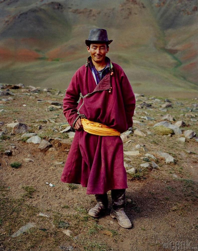 """Анх ирэхдээ тэрээр Mонголд """"хэн ч байдаггүй юм байна"""" гэж боджээ"""