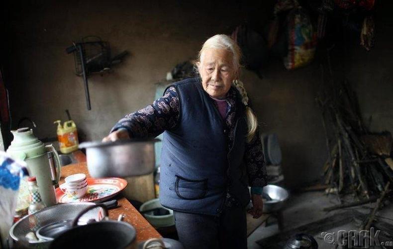 Эмээгийн халуун сэтгэл