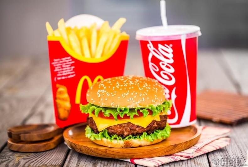 """Мартаж үз! Би McDonald`s орлоо...."""