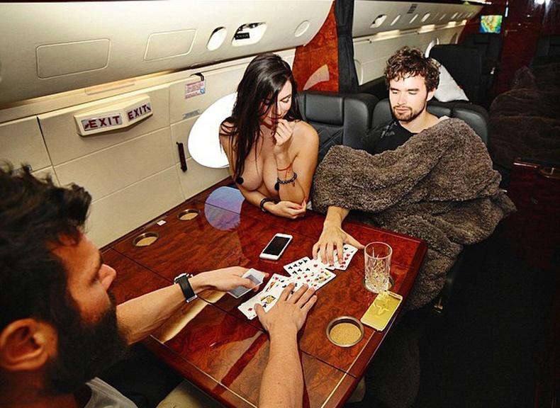 Баячууд ямар онгоцоор нисдэг вэ?