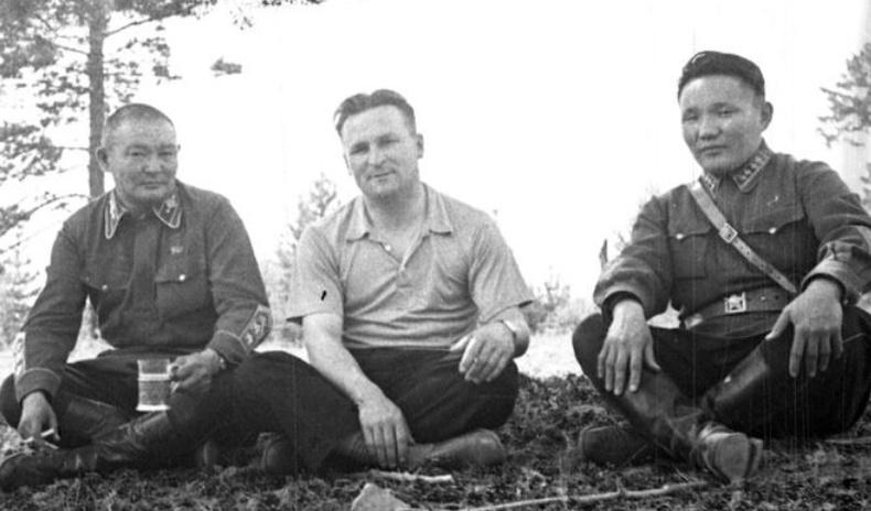 40-өөд оны Монголын удирдагчдын ховор зургууд (30 фото)