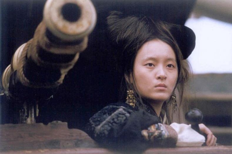 Биеэ үнэлэгч бүсгүй Хятадын далайн дээрэмчдийн хатан хаан болсон түүх