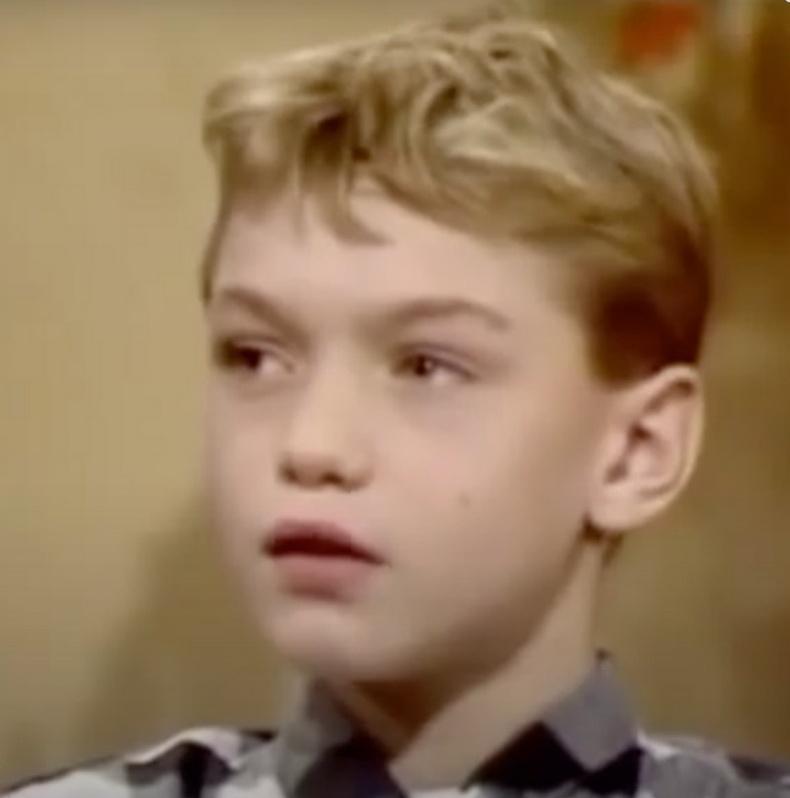 1978–1992 он: Жүжигчний гараагаа эхлүүлсэн нь