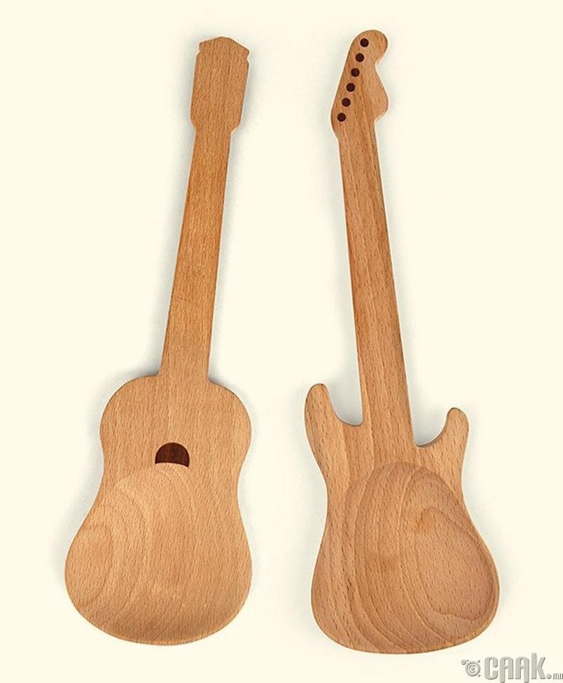 Гитар шиг хэлбэртэй халбага